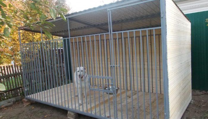 Красивая будка для собаки алабая